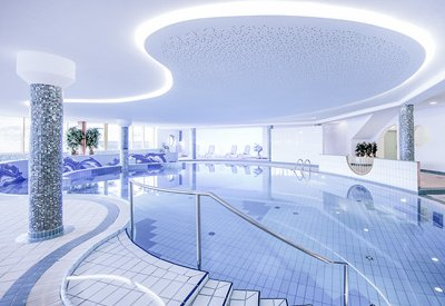 Indoor Swimming Pool in the wellness hotel near the slope